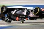Sauber Гутьерреса взлетела в воздух и перевернулась вокруг поперечной оси