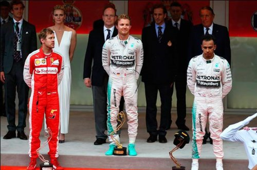 pobedniy podium