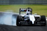 Valtteri Bottas (FIN) Williams FW36 locks up under braking.
