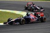 Jean-Eric Vergne (FRA) Scuderia Toro Rosso STR9 leads Daniil Kvyat (RUS) Scuderia Toro Rosso STR9.