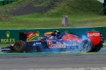 Daniil Kvyat (RUS) Scuderia Toro Rosso STR9 and Sergio Perez (MEX) Force India VJM07 spin after a coming together.