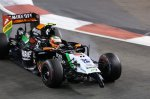 Sergio Perez (MEX) Force India VJM07 with broken front wing.